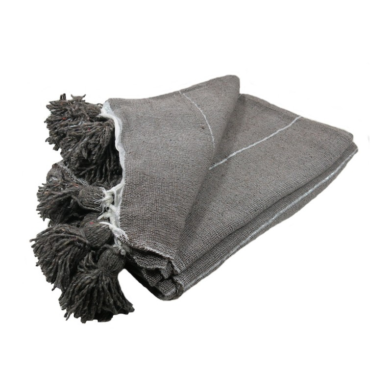 couverture couvre lit en laine et pompons gris taupe rayures argent. Black Bedroom Furniture Sets. Home Design Ideas